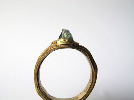 single sapph ring